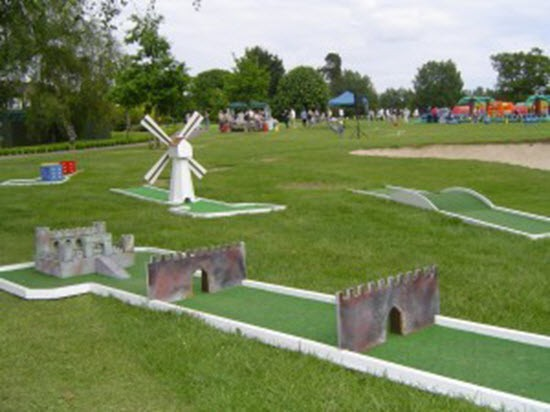 Crazy Golf Hire